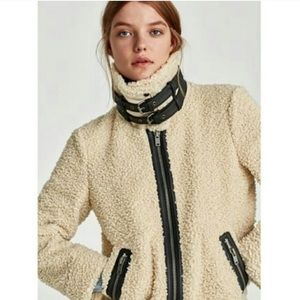 Zara Woman Contrasting Faux fur jacket